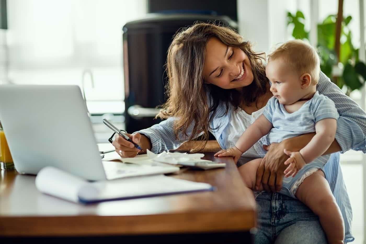 Εργαζόµενη μητέρα – πρακτικές λύσεις και συµβουλές
