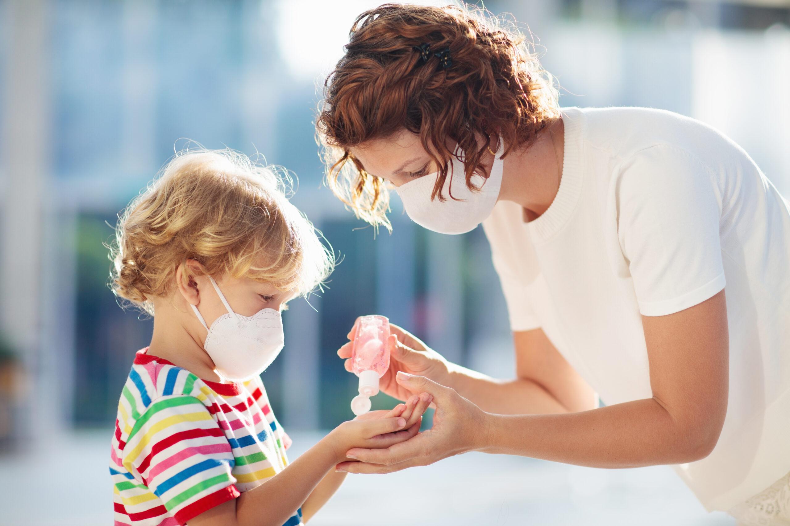 Πώς θα πείσεις το παιδί σου να φοράει τη μάσκα προστασίας για πολλή ώρα