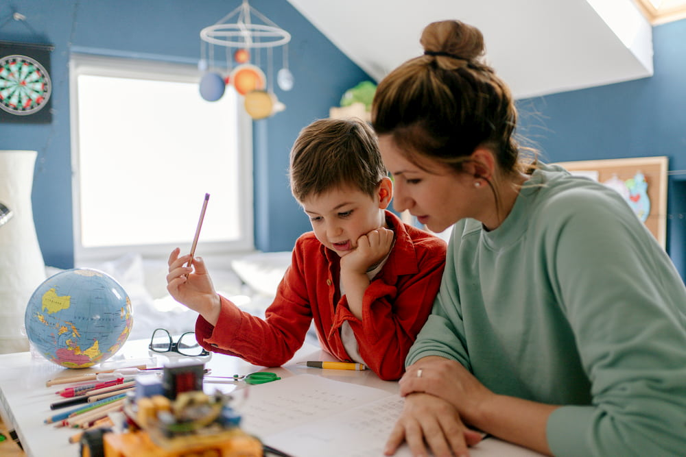 Πώς θα βρεις μια έμπιστη δασκάλα για τις απογευματινές ώρες εν καιρώ πανδημίας;