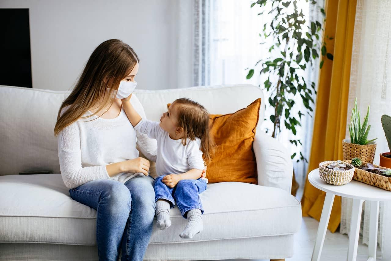 5 απορίες που έχουν τα παιδιά για τον κορωνοϊό και οι απαντήσεις που πρέπει να δώσεις