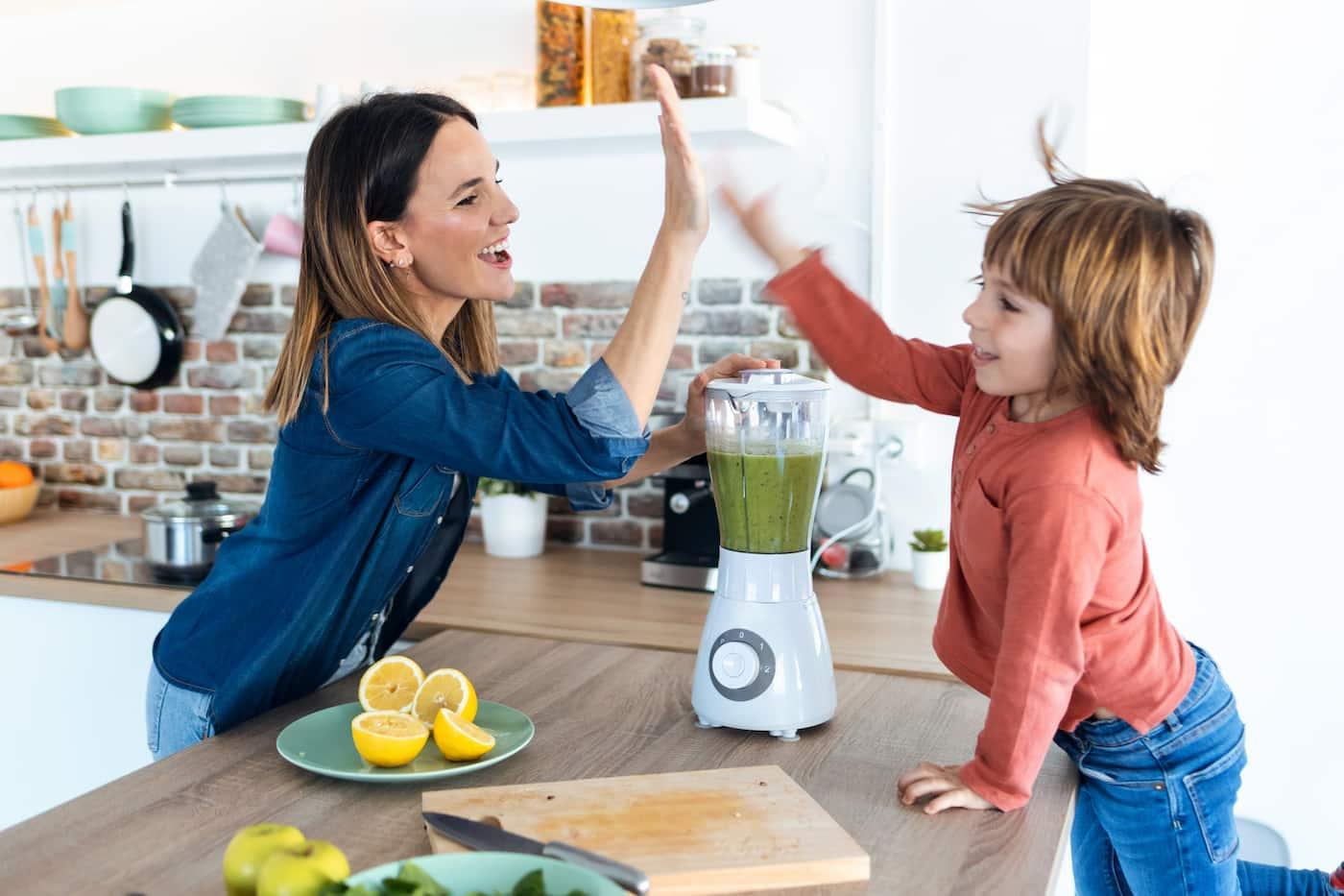 2 καλοκαιρινά υγιεινά ροφήματα για παιδιά και γονείς