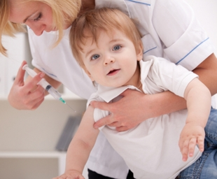 Εμβόλια: Αυτά που πρέπει να γνωρίζει κάθε γονιός