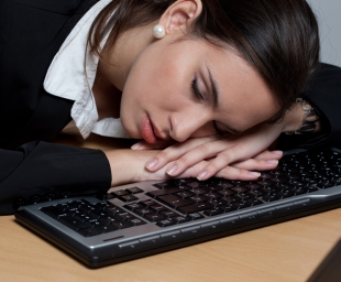 Νιώθετε συνέχεια κουρασμένοι; Οι αιτίες μπορεί να μην είναι αυτές που φαντάζεστε