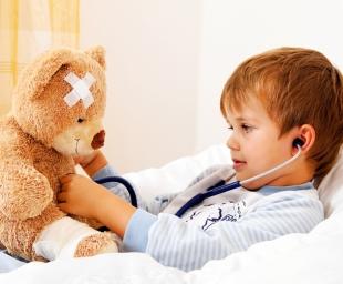 Παιδί άρρωστο στο σπίτι: 13 ιδέες για να ψυχαγωγήσετε τους μικρούς ασθενείς