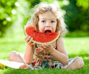 Σωστή διατροφή για τα παιδιά το καλοκαίρι!