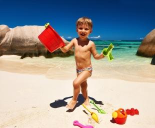 Παιχνίδια στην άμμο – 7 λόγοι που τα κάνουν καλό στην ανάπτυξη του παιδιού