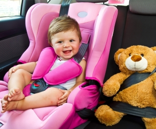 Tαξίδι με μωρό  τα «κόλπα» που θα το κάνουν πιο ευχάριστο