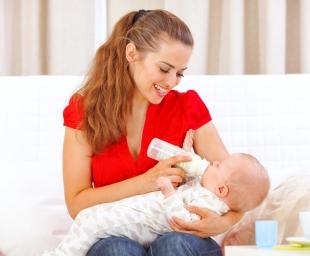 Συμβουλές για το σωστό τάισμα του μωρού με μπιμπερό