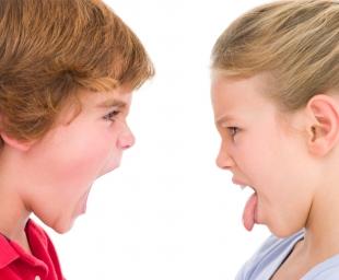 Πώς να σταματήσετε έναν καυγά ανάμεσα σε αδέρφια