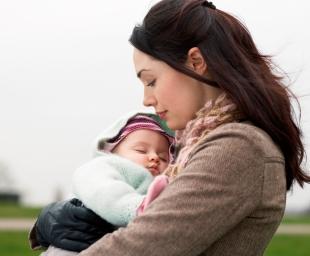 Μητρική αγκαλιά – Η καλύτερη θεραπεία