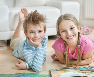 Πόσο ωφελεί η καλοκαιρινή μελέτη τα παιδιά;