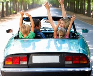 Ταξιδεύοντας με παιδιά –  Συμβουλές για άνετο ταξίδι (χωρίς γκρίνιες)