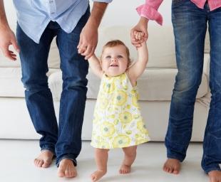 Βοηθήστε το μωρό να περπατήσει γρήγορα