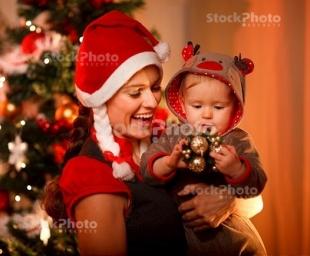 Έξυπνες ιδέες για τα πρώτα Χριστούγεννα του μωρού