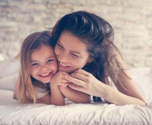 Χτίζοντας τη σχέση μητέρας και κόρης